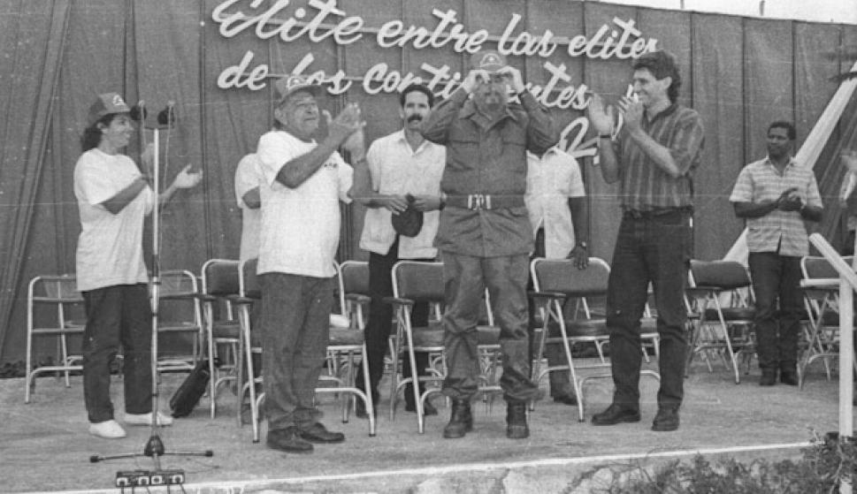 ¿Cuánto mide Miguel Díaz Canel? - Altura - Real height 5ad8aa10