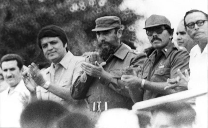 ¿Cuánto mide Fidel Castro? - Altura - Real height - Página 3 Fidel-11