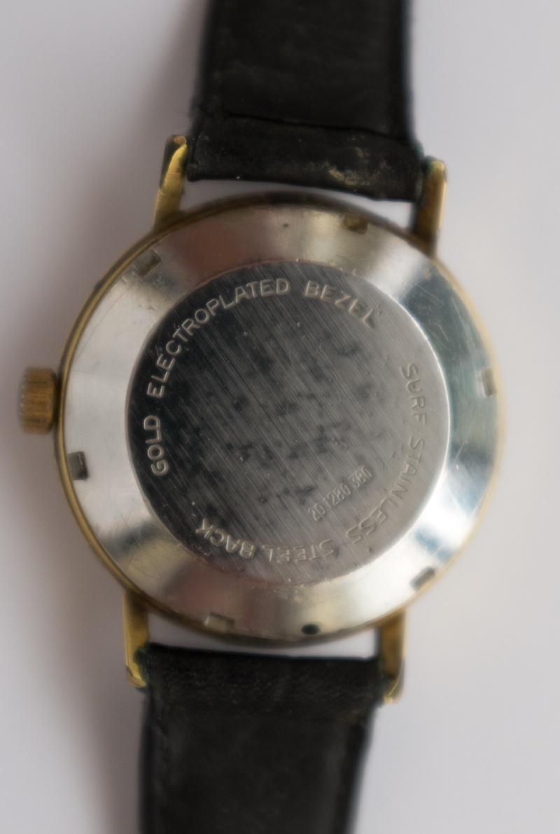 montre Zenith vintage (60's) à identifier Dscf0312