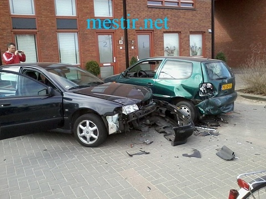 Un accident bizarre Accide17