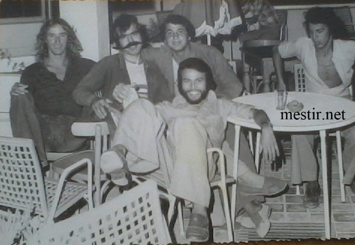 SOUVENIRS DE Mestir ... - Page 5 Chaneb10