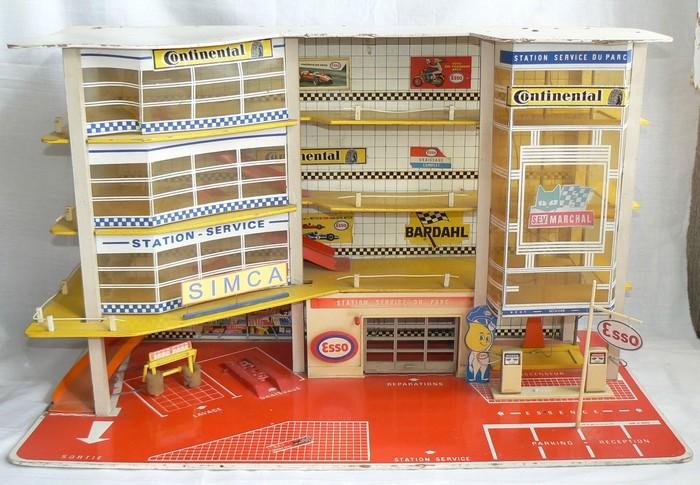 Souvenirs, souvenirs.... Garage10