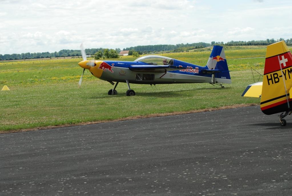 Avions de voltige à Fontenay le Comte 55482710