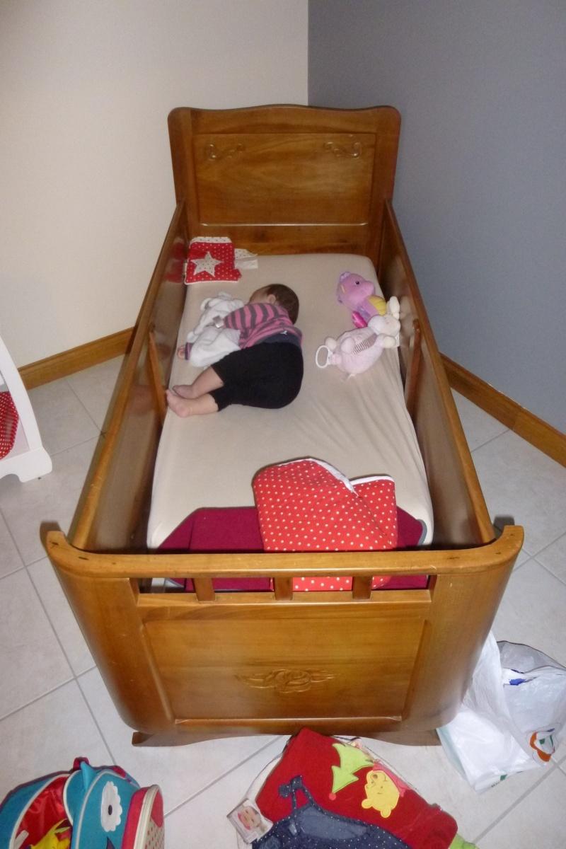pas de lit barreaux. Black Bedroom Furniture Sets. Home Design Ideas