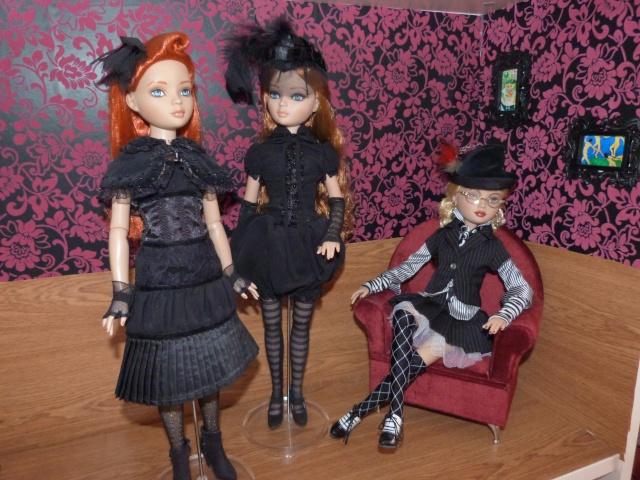 THEME DU MOIS DE NOVEMBRE 2013 : Ellowyne et sa petite robe noire P1010211