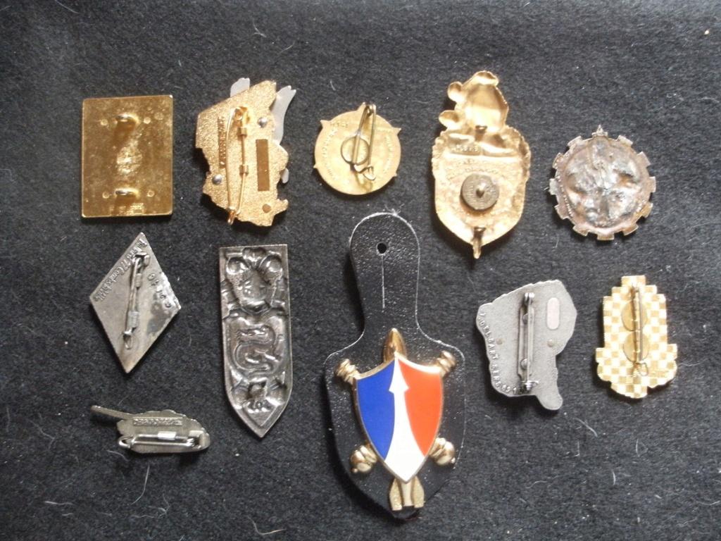 Quelques insignes divers Gourbi38