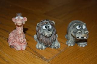 animaux en résine (chien, chat, écureuil, hibou)+ licorne en je sais pas quoi, pour facture de Cassy Dsc_0620