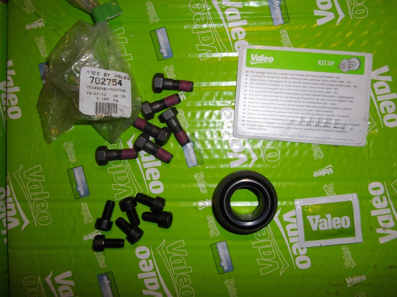 Kit 4 pieces VALEO ( embrayage + volant ) - Page 2 Imgp1317