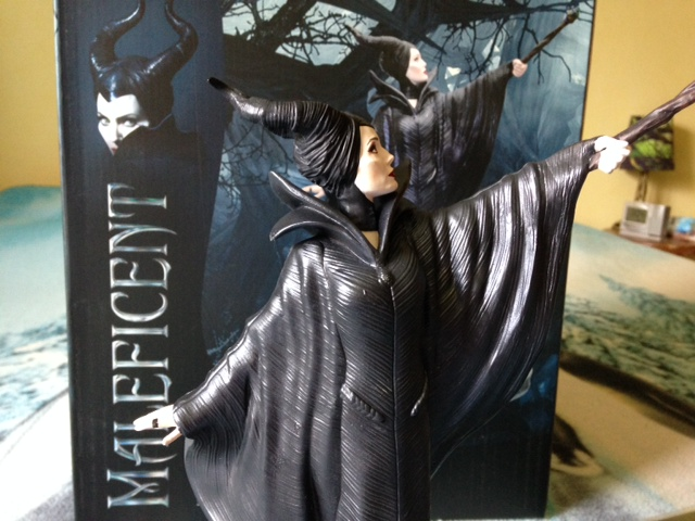 Maleficent - Page 17 Photo_12