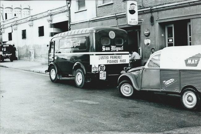 Photos et cartes postale 2cv camionnette  - Page 3 May_sa11