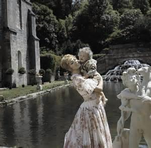 Les plus belles robes vues à l'écran - Page 2 Robe_a12