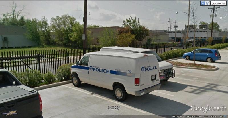 STREET VIEW : véhicules de police du monde - Page 9 Van_e210