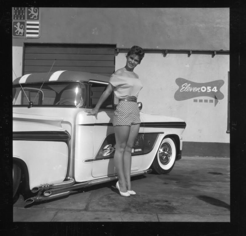 Barris kustom shop in the 1950's A42310