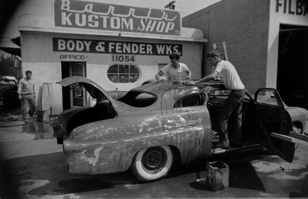 Barris kustom shop in the 1950's D0a52a10