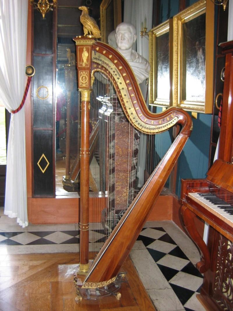 Exposition Joséphine, Musée du Luxembourg, mars à juin 2014 Harpe_10