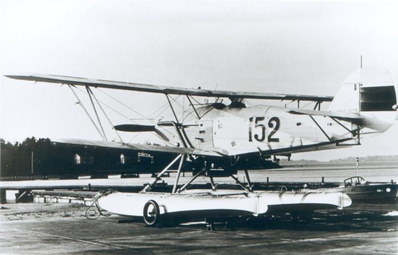 Hawker Hart estonien 1/72 Hart_e12