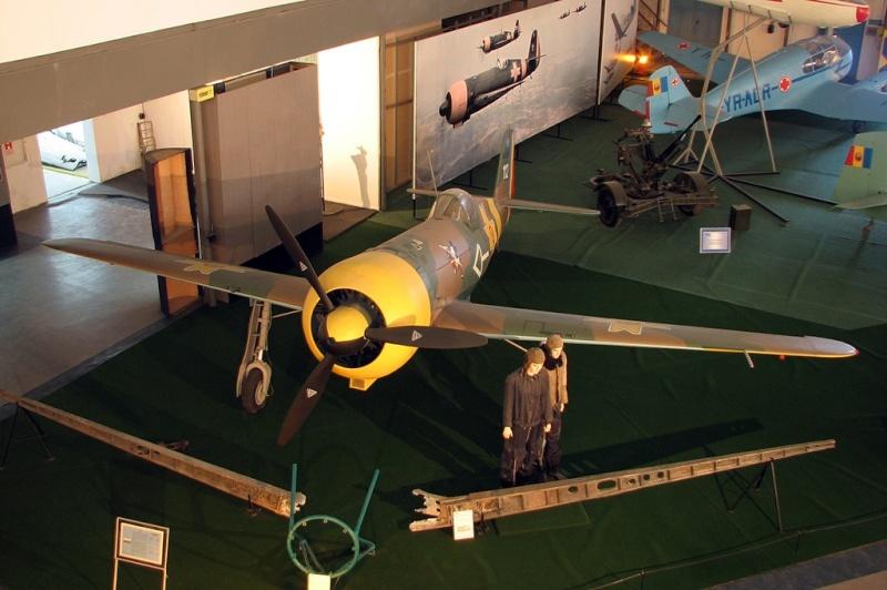 Montage: IAR 80 / A-Model 1/72 Iar80_15