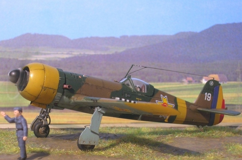 """IAR80 1/72, diorama """"dynamique"""" Iar80_61"""