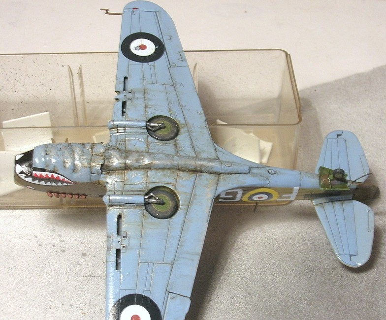 Montage: Curtiss Tomahawk MkIIB 1/72 Monta136