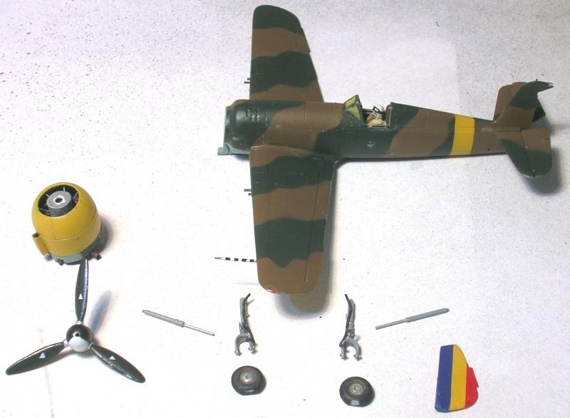 Montage: IAR 80 / A-Model 1/72 Montag45