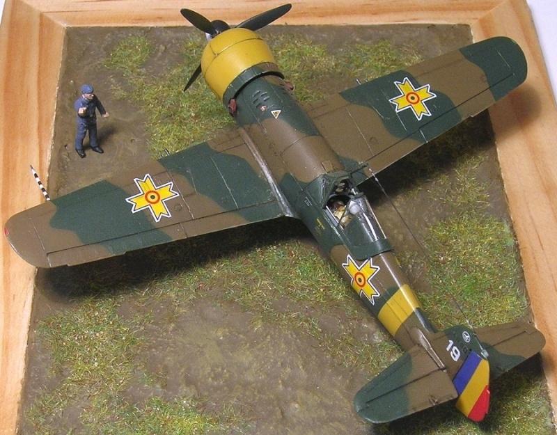 Montage: IAR 80 / A-Model 1/72 Montag65