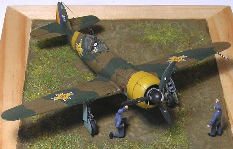 Montage: IAR 80 / A-Model 1/72 Montag67