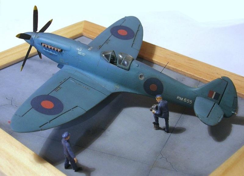 Supermarine Spitfire PR MkXIX 1/72 Spitfi14