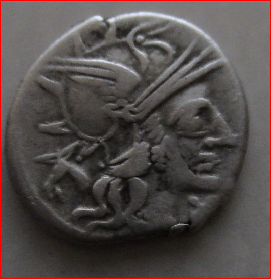 Monnaies républicaines des gens Cornelia, Maiania et Fabia Marcus10