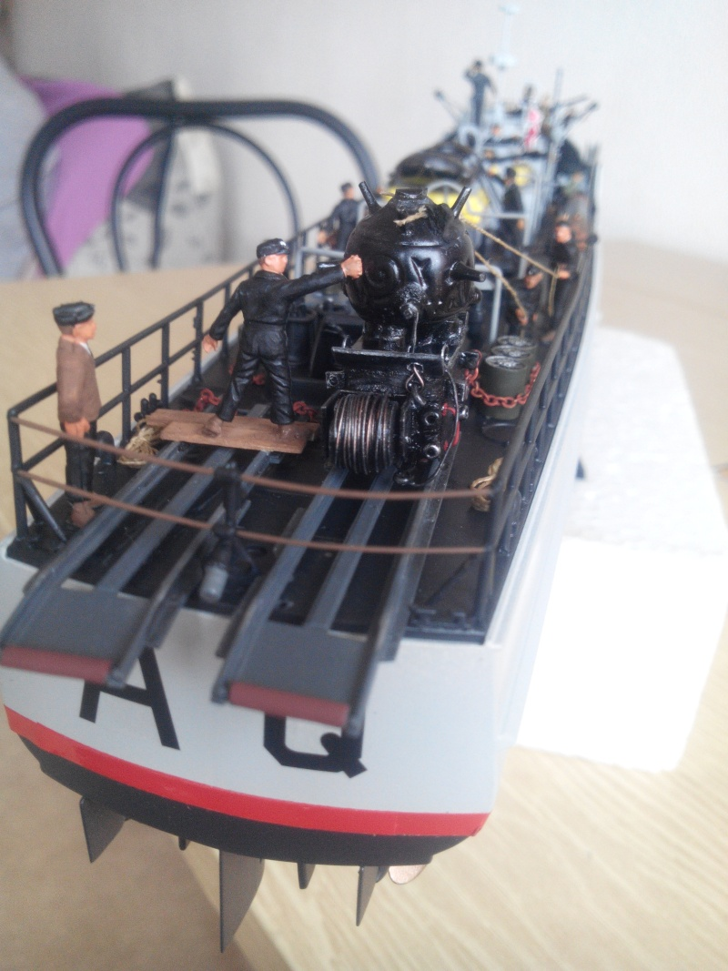 schnellboot S-100.maquette plastique REVELL au 1/72+ equipage. - Page 4 Img_2019