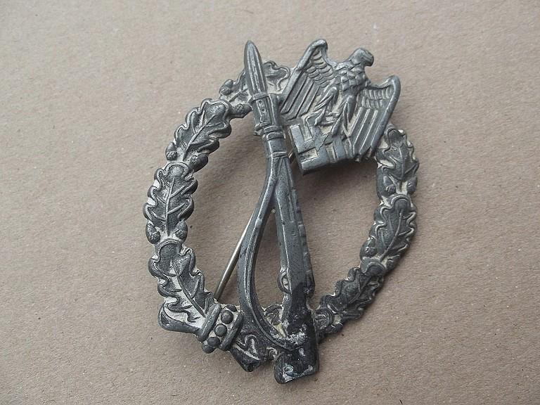badge assault infanterie argent Dscf0310
