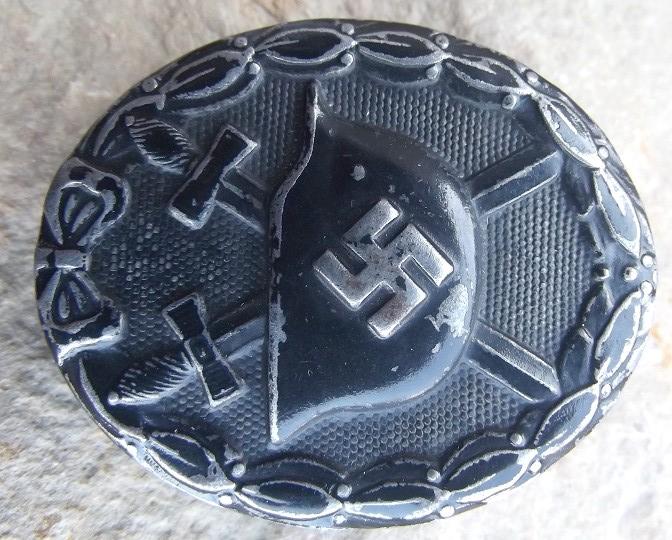 badge des blessés Dscf8411