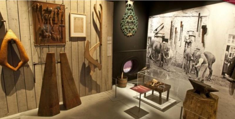 """Exposition """"Fouette cocher"""" Ecomusée de Rennes. Expo_r15"""