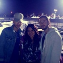 Bill et Tom et des fans au Go Kart World à Carson, aux USA 18.10.2013  10032411