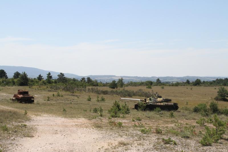 L'armée laisse trainer des matériels soumis à autorisation? Img_1511