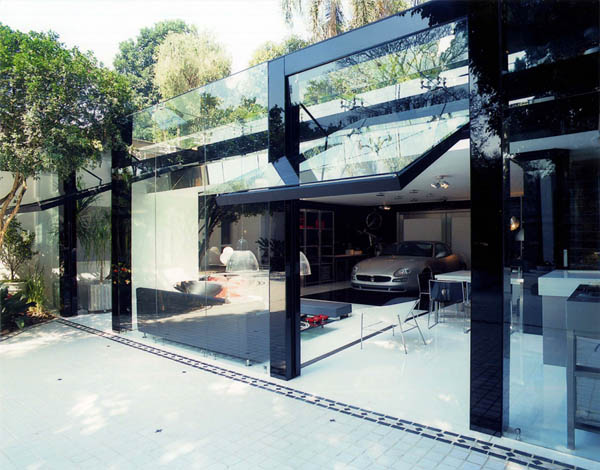 Garage Striki10