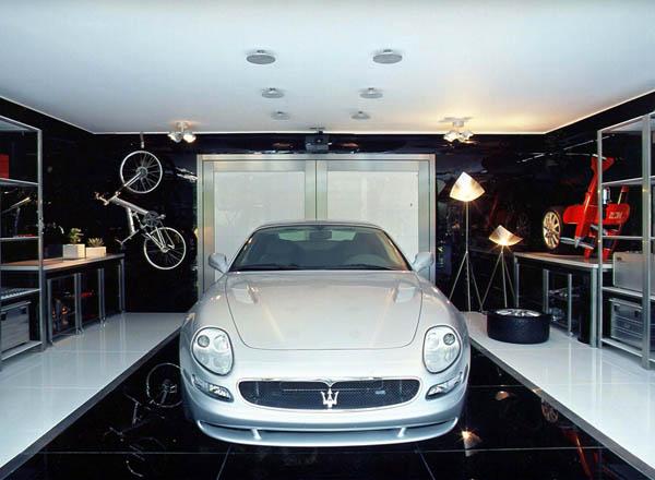 Garage Striki17