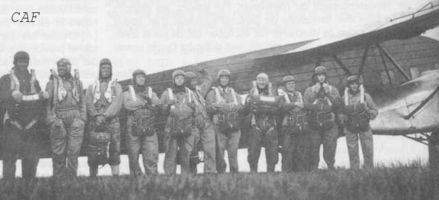 601ème et 602ème Groupes d'Infanterie de l'Air donne naissance au 1er RCP 601_6011