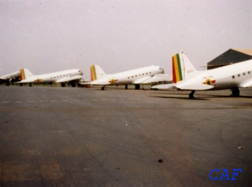 Dakota - DC3 ou C47 Armée de l'Air Sénégalaise Dc3_ca10