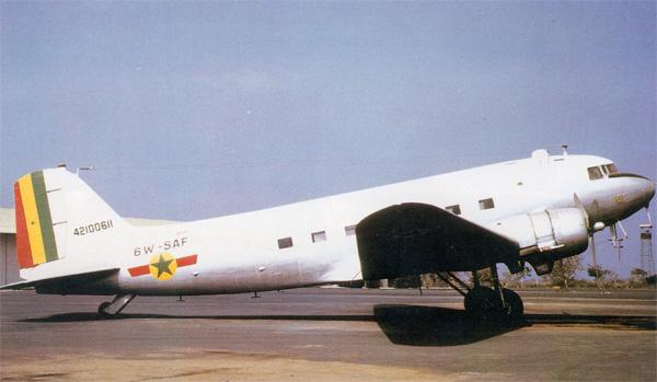 Dakota - DC3 ou C47 Armée de l'Air Sénégalaise Dougla10