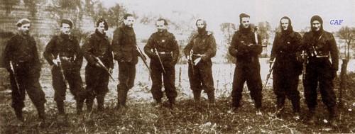 601ème et 602ème Groupes d'Infanterie de l'Air donne naissance au 1er RCP Une_co10