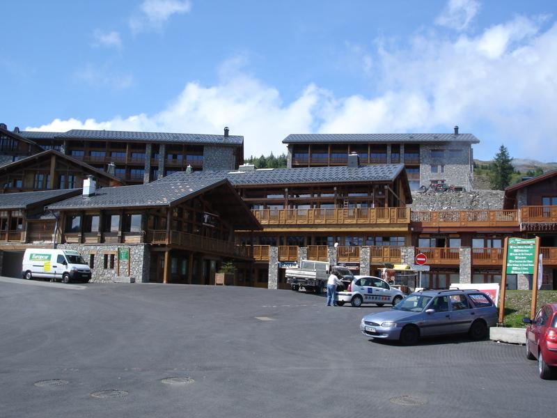 [LaRosière]Vaste programme de construction dans la station Dsc03453