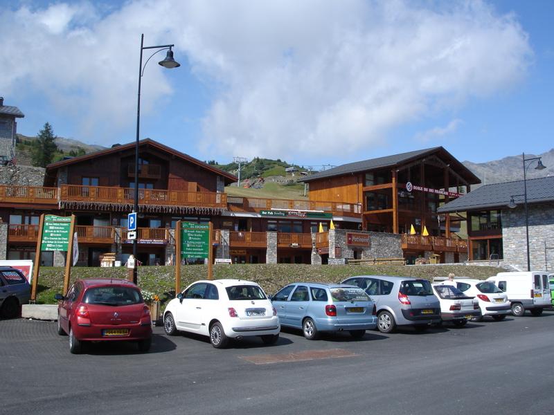 [LaRosière]Vaste programme de construction dans la station Dsc03454