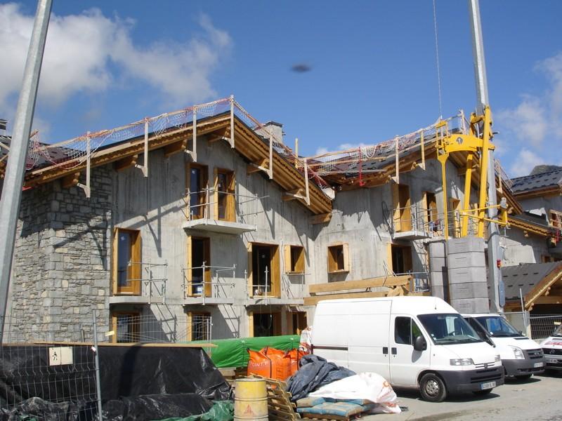 [LaRosière]Vaste programme de construction dans la station Dsc03461