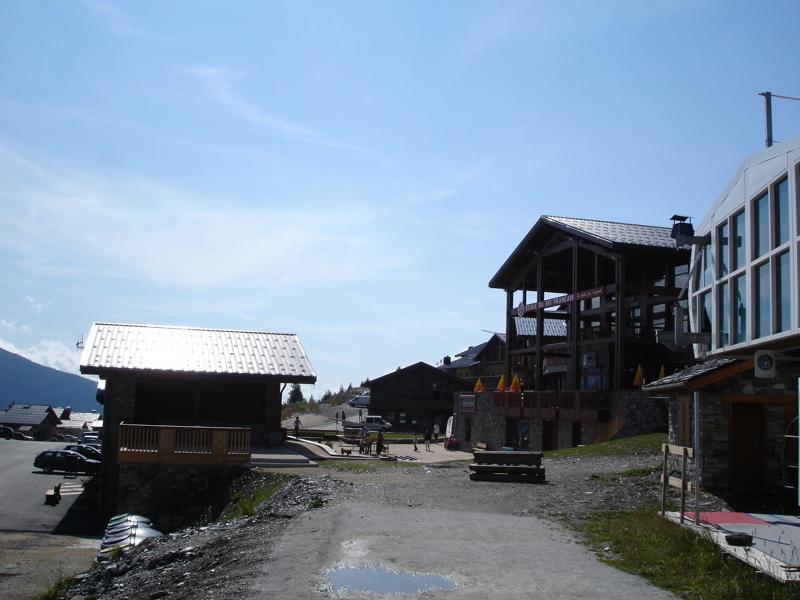 [LaRosière]Vaste programme de construction dans la station Dsc03466