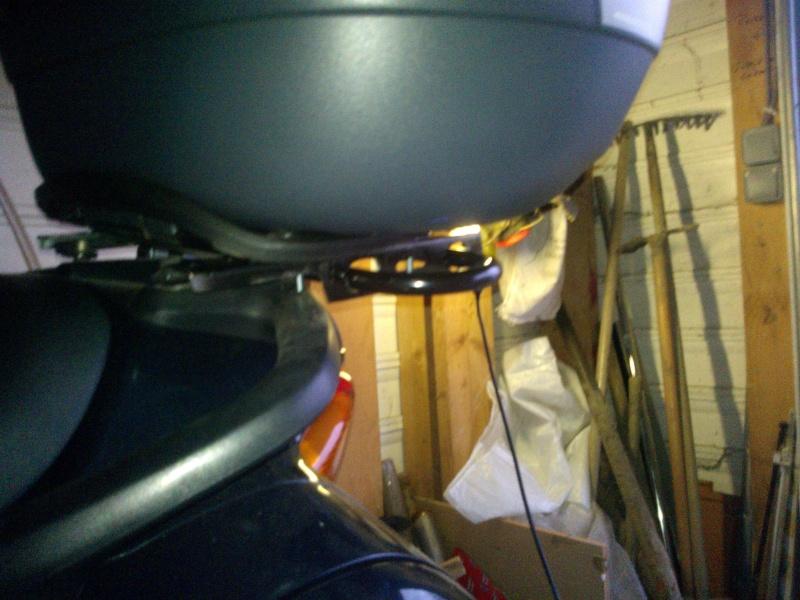 """fabriquer support de  """"U"""" (exterieur) de porte bagage toute moto: ici dov 650 Wp_00149"""