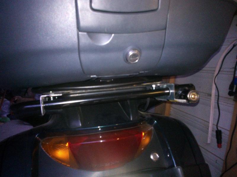 """fabriquer support de  """"U"""" (exterieur) de porte bagage toute moto: ici dov 650 Wp_00150"""