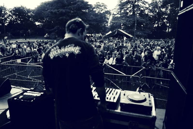[TECHNO] Acsoft - 3 hours in Villa Rouge [Live DJ Set] Dsc07110
