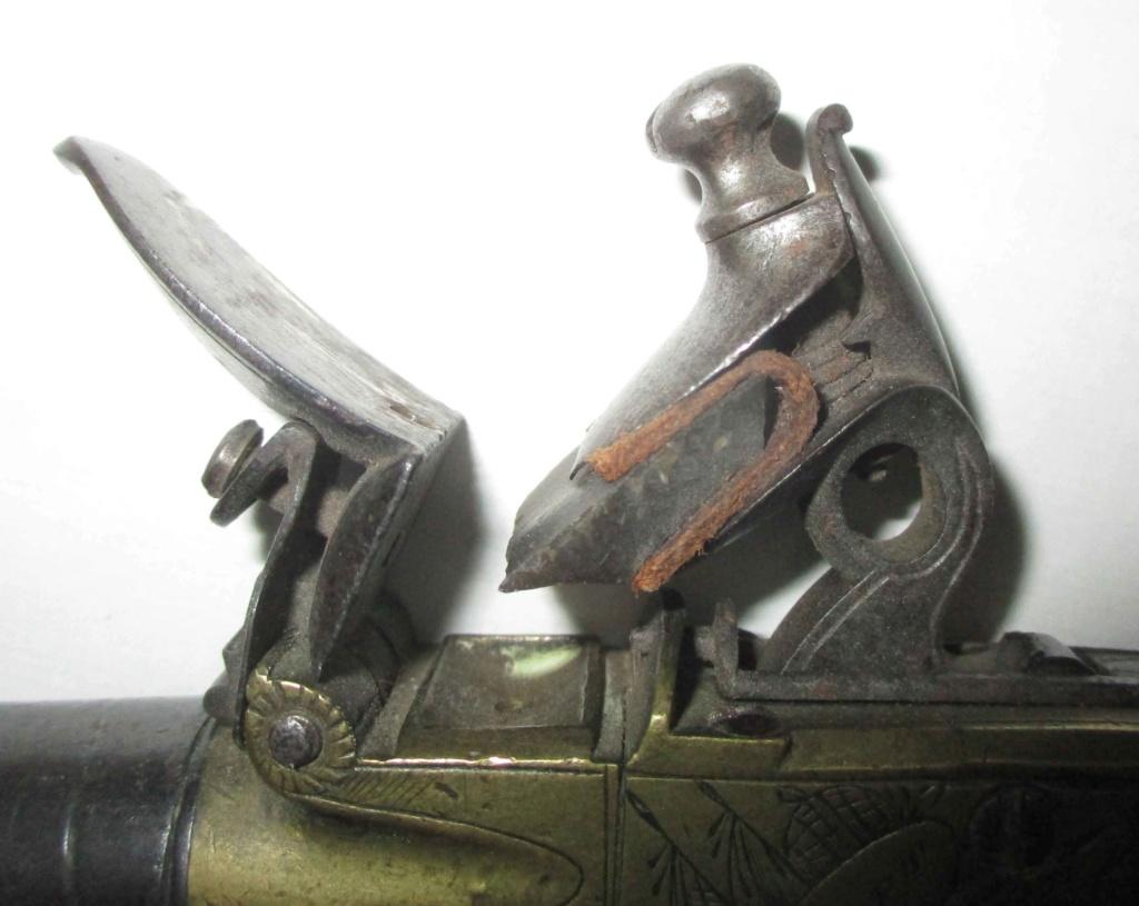 petit pistolet à silex Img_5133