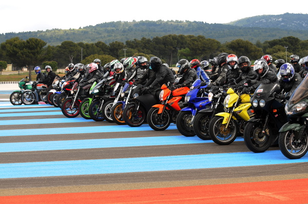 Mes ancienes motos !!! Evenem10