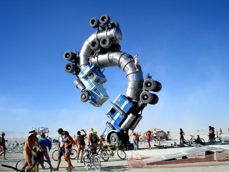 Site de Burning man, Nevada - USA Camion10